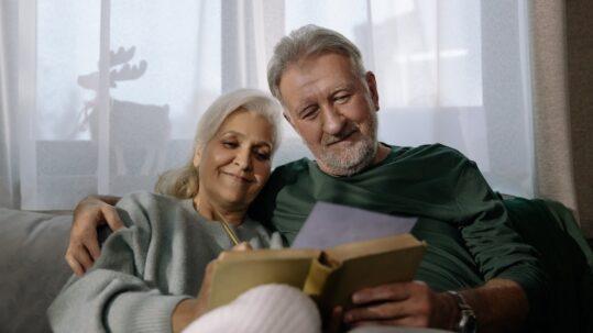 retired couple enjoying their lifestyle